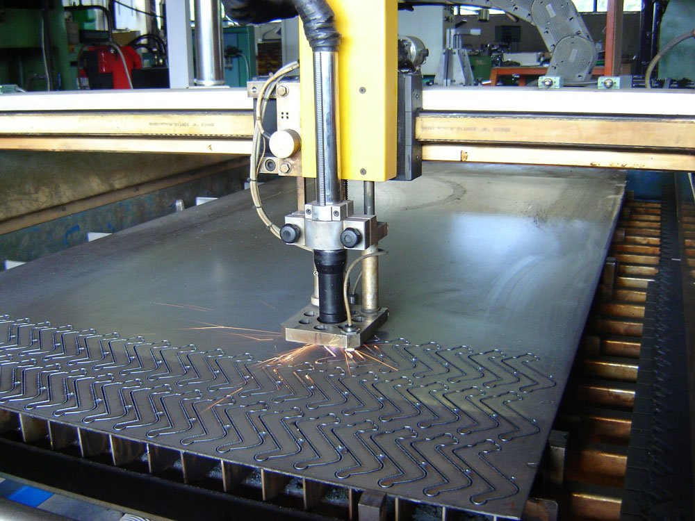 Cette image montre les moyens mise en œuvre pour une fabrication de petite et moyenne série