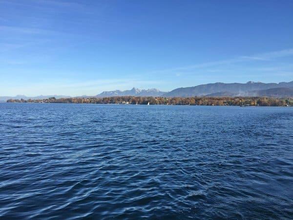 le lac Léman à proximité